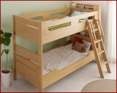 兄弟で寝る2段ベッド