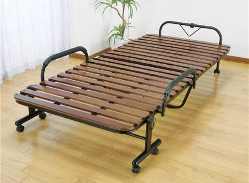 簡易ベッドのような折りたたみベッド