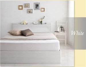 白色のベッド雰囲気