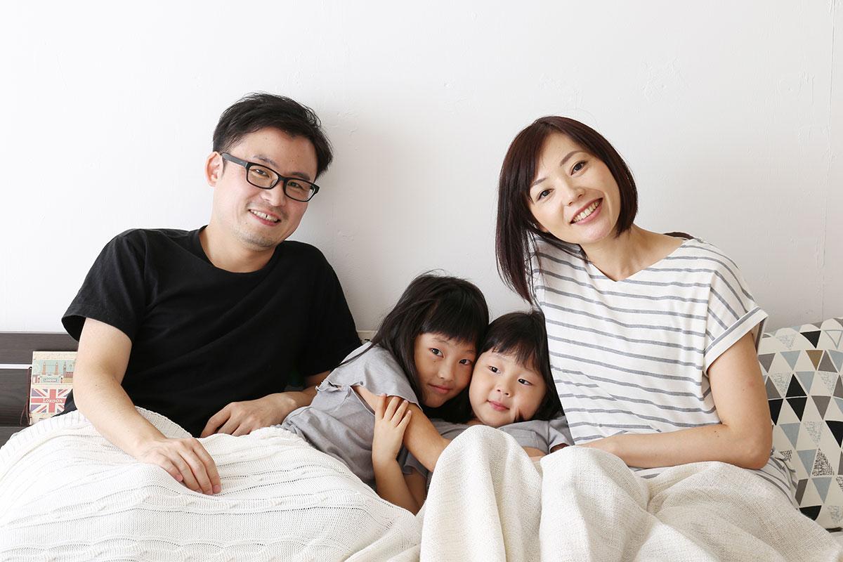 親子4人が笑顔で寝れる最適ベッド
